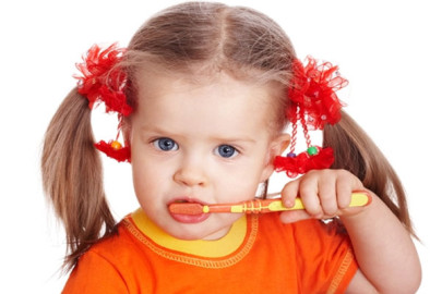 Как ребенку научиться чистить зубы?